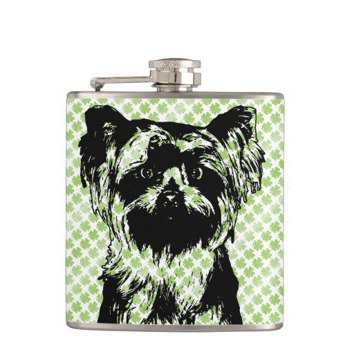 St Patricks - silueta de Yorkshire Terrier