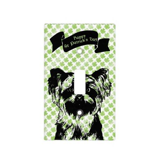 St Patricks - silueta de Yorkshire Terrier Placas Para Interruptor