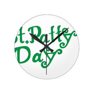 St. Pattys Day Round Clock