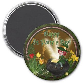 St Pattys Leprechaun 3 Inch Round Magnet