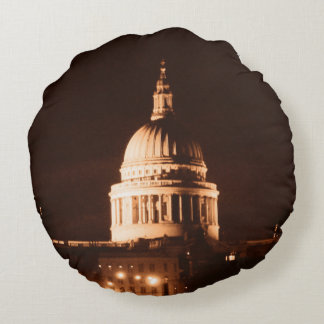 St Pauls Cathedral in Sepia & Dry Brush Effect Round Pillow
