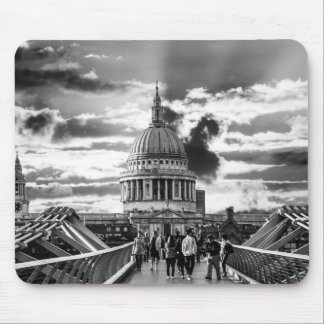 St Paul's Cathedral, London - Black and White Mouse Pad