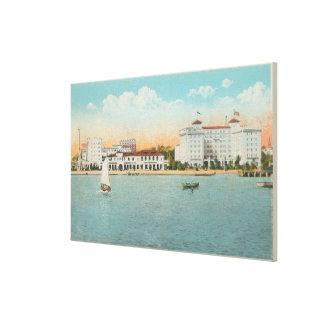 St. Petersburg, FL - Waterfront View of Soreno Canvas Print