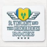 St. Vincent y las rocas v2 de las granadinas Alfombrillas De Ratones