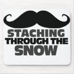Staching a través de la nieve alfombrilla de raton