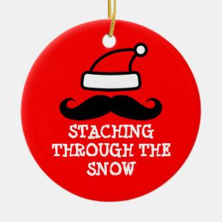 Staching a través del ornamento del navidad de la adorno navideño redondo de cerámica