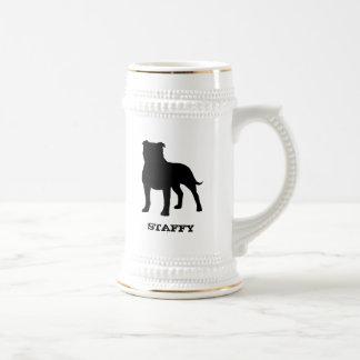 Staffordshire bull terrier taza