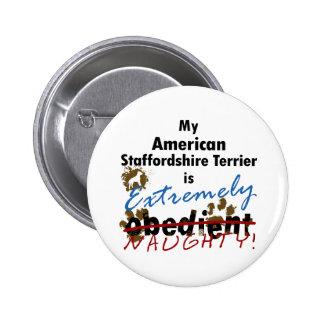 Staffordshire Terrier americano extremadamente tra Pins