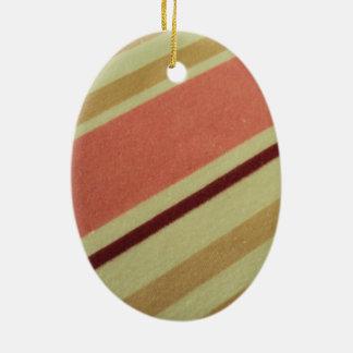 standard of scratches ceramic ornament