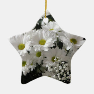 STAR ORNAMENT WITH PHOTO OF WHITE DAISIES.