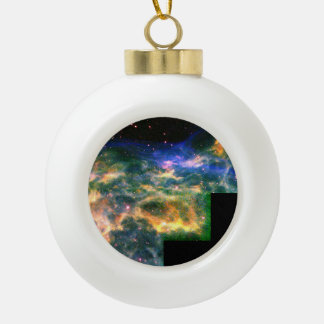Star WR 136 Tears Apart a Shell of Gas Ornaments