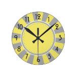 Starburst amarillo y gris raya el reloj