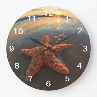 Starfish and Bubbles at Sunset Clock