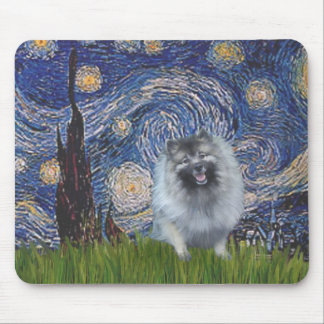 Starry Night - Keeshond (F) Mouse Pad