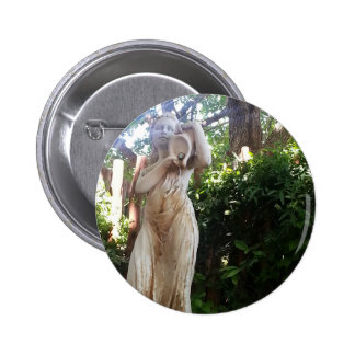 statue.jpg button