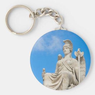 Statue of a queen keychain