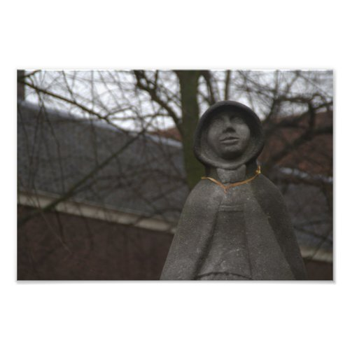 Statue of Gertrude van Oosten, Delft