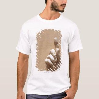 Statue of hand in Palazzo dei Conservatori T-Shirt