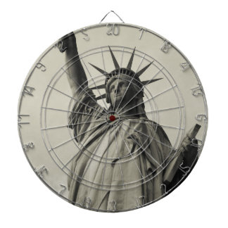 Statue of Liberty 10 Dartboard With Darts