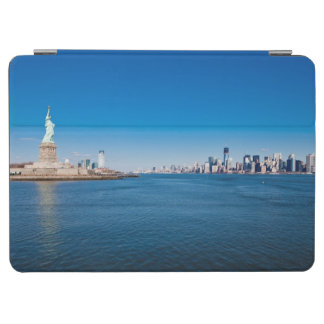 Statue of Liberty, Hudson River and Manhattan iPad Air Cover