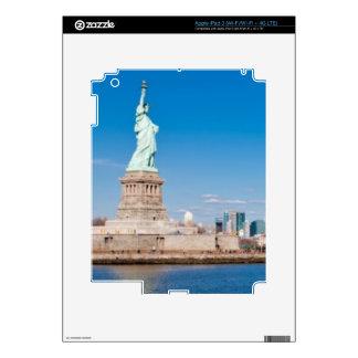 Statue of Liberty, Hudson River and Manhattan iPad 3 Skins
