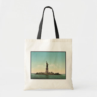 Statue of Liberty, New York Harbor classic Photoch Budget Tote Bag