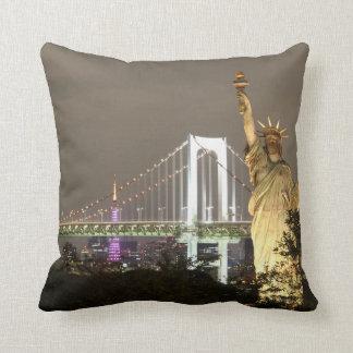 Statue Of Liberty & New York Skyline Throw Pillow