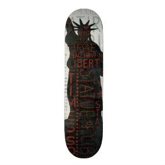 Statue of Liberty Silhouette Skateboard