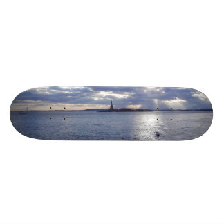 STATUE OF LIBERTY SKATE BOARD DECK