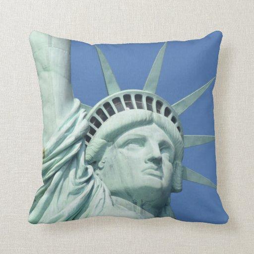 Throw Pillow Zazzle : Statue of Liberty Throw Pillow Zazzle