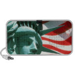 STATUE OF LIBERTY WITH AMERICAN FLAG PORTABLE SPEAKER