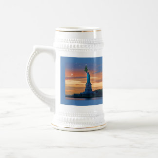 Statue of Liberty with Christmas Tree 18 Oz Beer Stein