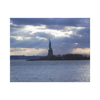 STATUE OF LIBERTY WRAPPED CANVAS PRINT