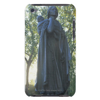 'Statue of Sacagawea and her son, guide on the Barely There iPod Cases