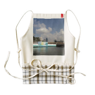 Statue of the Merlion in Singapore Zazzle HEART Apron