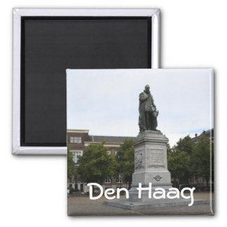 Statue of William of Orange 2 Inch Square Magnet