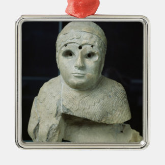 Statuette of a woman with shawl, Akkadian Period Ornament