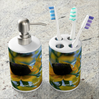 Stay Focused Daisies Custom Soap Dispenser And Toothbrush Holder