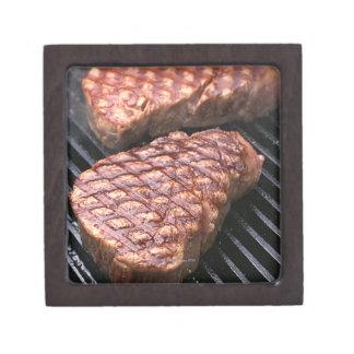 Steak 2 keepsake box
