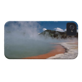 Steam rising from Champagne Pool at WAI-O-TAPU iPhone 4 Case-Mate Cases