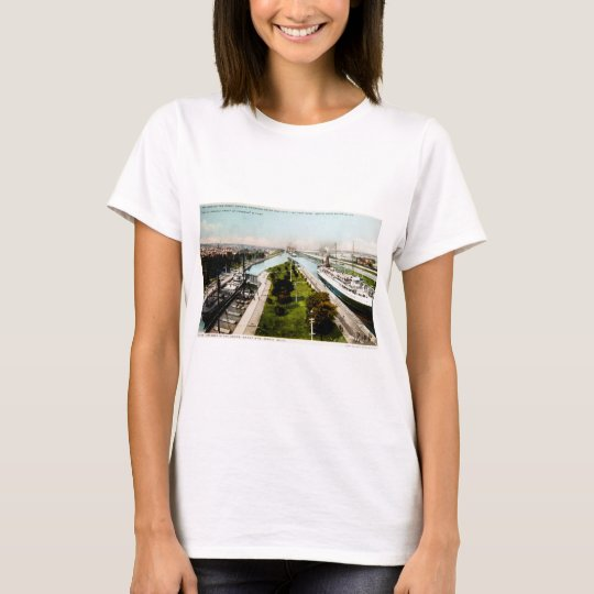 Steamer in the Locks, Sault Ste.Marie, Michigan T-Shirt