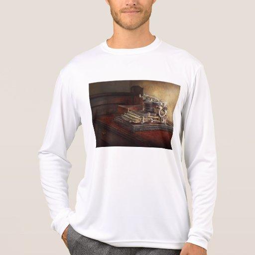 Steampunk - A crusty old typewriter T Shirt