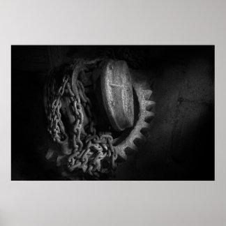 Steampunk - engranaje - alzamiento y cadena poster