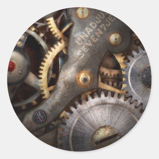 Steampunk - engranajes - horometría etiqueta redonda