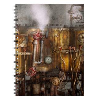 Steampunk - fontanería - aparato de Distilation Cuadernos