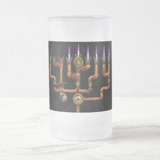 Steampunk - fontanería - iluminación del Menorah Taza Cristal Mate