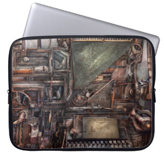 Steampunk - Machine - All the bells and whistles Laptop Sleeve