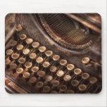 Steampunk - máquina de escribir - tuckered también alfombrilla de ratones