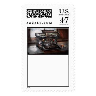 Steampunk - máquina de escribir - una máquina de timbre postal