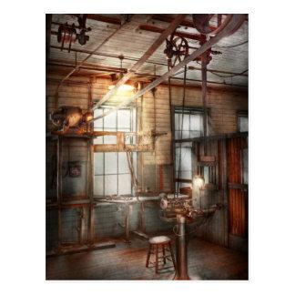 Steampunk - maquinista - la estación de pulido tarjeta postal